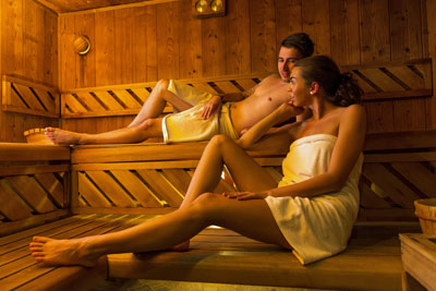 holiday cottages with a sauna and swimming pool